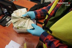 Policjanci zatrzymali dilerów i przejęli narkotyki