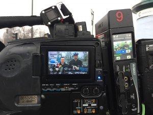 briefing prasowy - podgląd na wyświetlaczu kamery tv