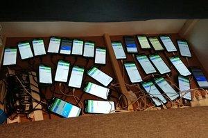 Zabezpieczone telefony wykorzystywane przez sprawców